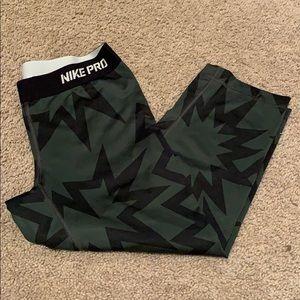 Nike Pro Printed Cropped Leggings